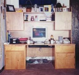 Hutch Desk 1